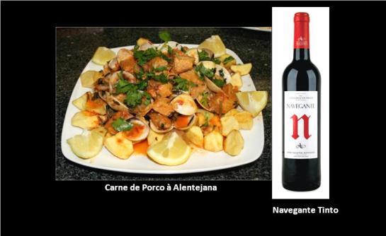 ingredientes: 500 g carne de porco 2 cebola(s) 2 dente(s) de alho 1 c. sopa de massa de pimentão 4 tomate(s) 2 c. sopa banha 1 kg amêijoa coentros q.b. sal q.b. Pimenta 2 dl vinho branco 1 folha(s) de louro 2 cravinho (cravo-da-índia) 2 dente(s) de alho preparação: 1. Corte a carne em bocados pequenos.  2. Junte a massa de pimentão, o vinho branco, o louro, os cravinhos, os dentes de alho picados, sal e pimenta. Mexa e deixe marinar de um dia para o outro. 3. No dia seguinte corte em rodelas as cebolas, os dentes de alho e o tomate sem pele e sem grainhas, e leve tudo ao lume com uma colher de sopa de banha. 4. Deixe refogar até que o tomate e as cebolas estejam cozidos. 5. Junte depois as amêijoas, previamente lavadas em várias águas. 6. Logo que as amêijoas abram, tempere com sal e pimenta e deixe ferver mais 1 minuto. Retire do lume. 7. Noutro recipiente frite a carne escorrida com a restante banha bem quente. 8. Adicione 2 colheres de sopa do líquido da marinada e deixe ferver durante mais uns 15 minutos. 9. Junte as amêijoas e sirva a carne com batatas cozidas ou fritas.  Polvilhe tudo com coentros.