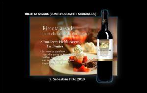 RICOTTA ASSADO (COM CHOCOLATE E MORANGOS)