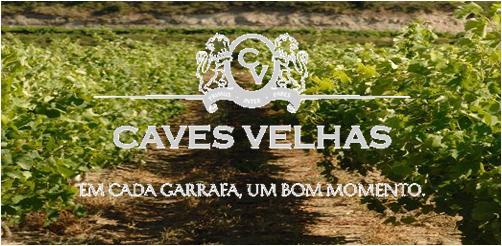 As Caves Velhas são um dos maiores e mais antigos produtores e engarrafadores de vinho da Região Demarcada de Bucelas. Ao longo de 123 anos tem sido galardoada com diplomas, medalhas de ouro e prata, que distinguem a excelência e a qualidade de várias gerações de produtos. No edifício Caves Velhas, situado no centro da vila, encontrará uma típica adega, uma sala de provas e uma Enoteca.