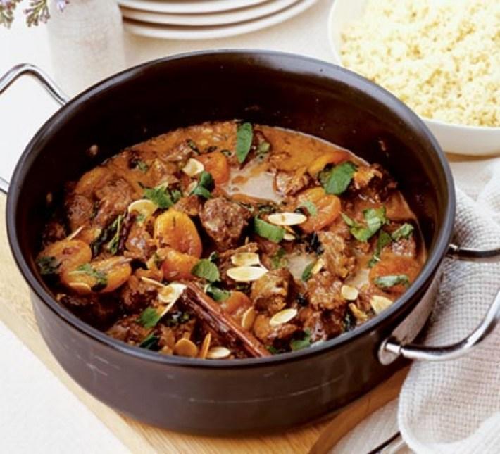 Cordeiro marroquino picante e couscous do Chef Jamie Oliver