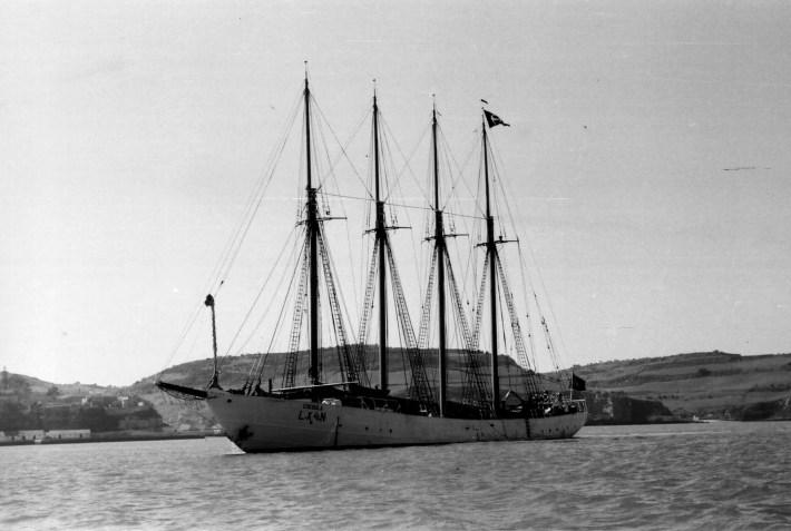 O mítico Creoula, atualmente ao serviço da Marinha Portuguesa