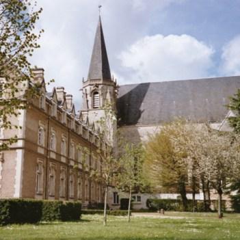 Abadia de Liguge fundada por S Martinho