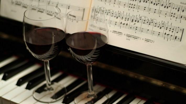 Relação harmoniosa entre vinhos e música clássica 9