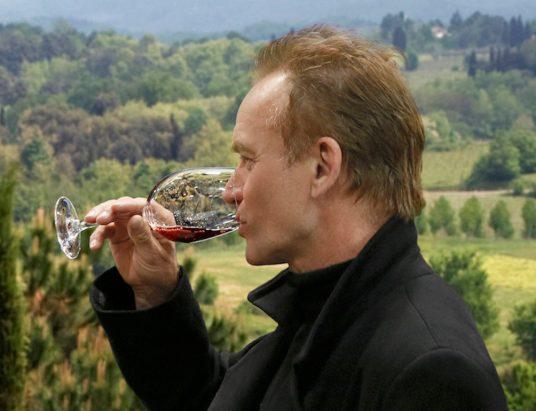 Sting produz vinho na Toscânia
