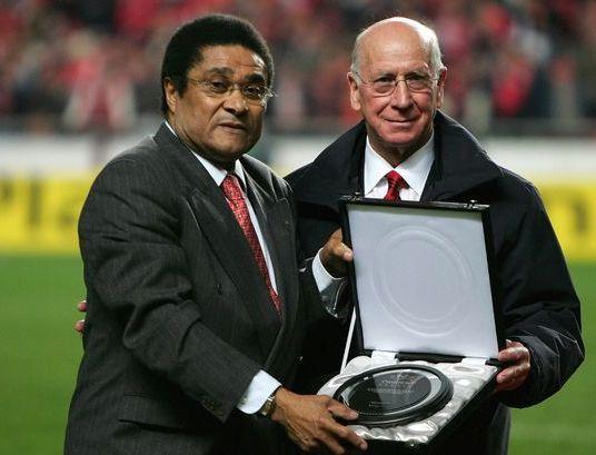 Eusebio Com Bobby Charlton
