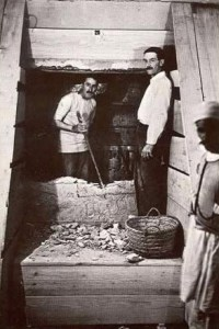 Howard Carter e Arthur Mace