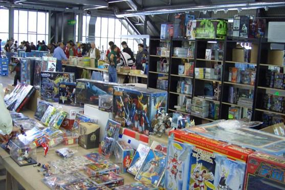 PN_Comics-Stands03