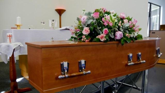 Demandan que personal funerario debe ser prioritario para vacunación anti19