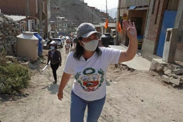 Las candidatas mujeres siguen rezagadas en Perú pese a la nueva ley de paridad