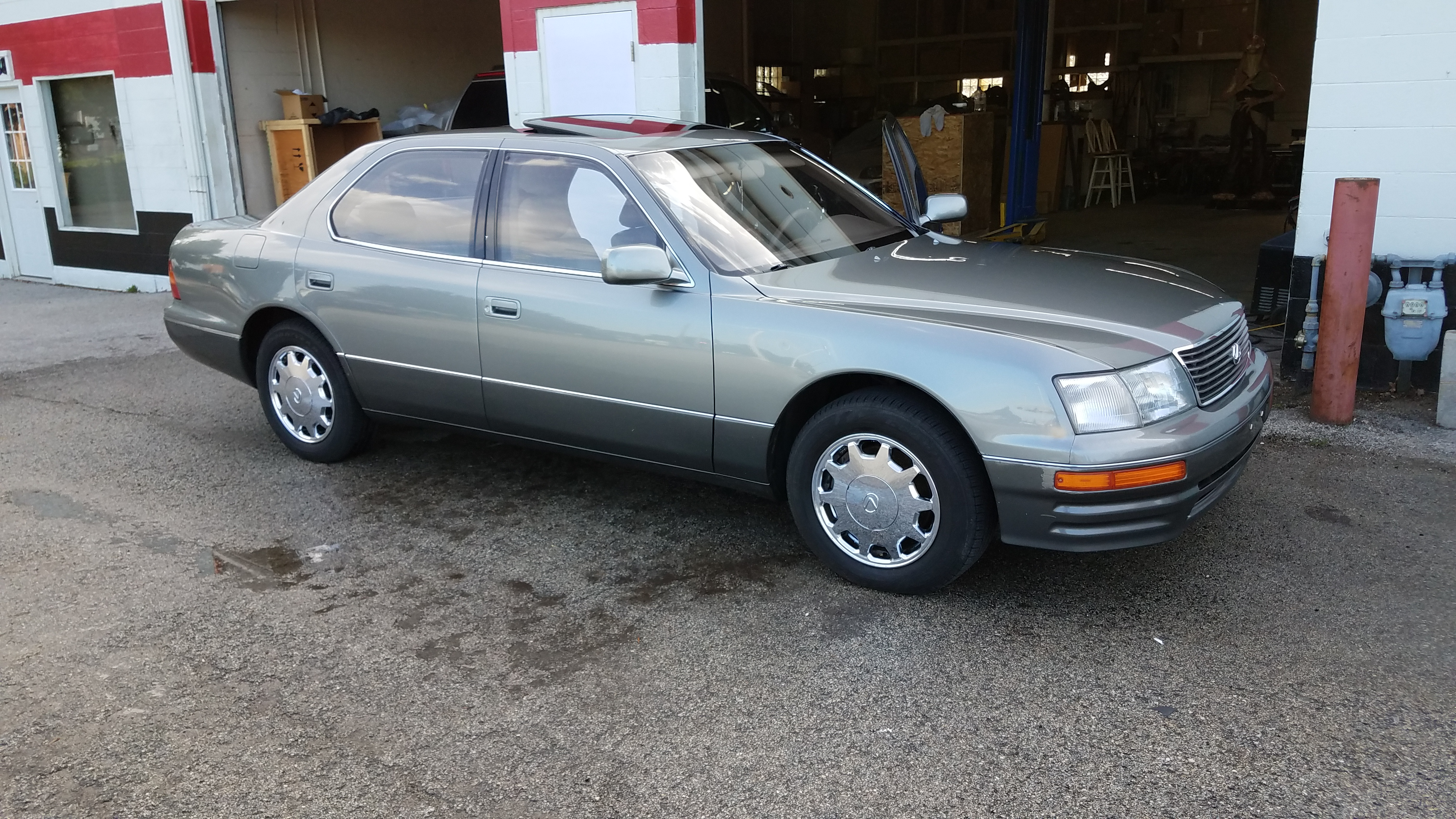 Thinking about ing a ls400 ClubLexus Lexus Forum Discussion
