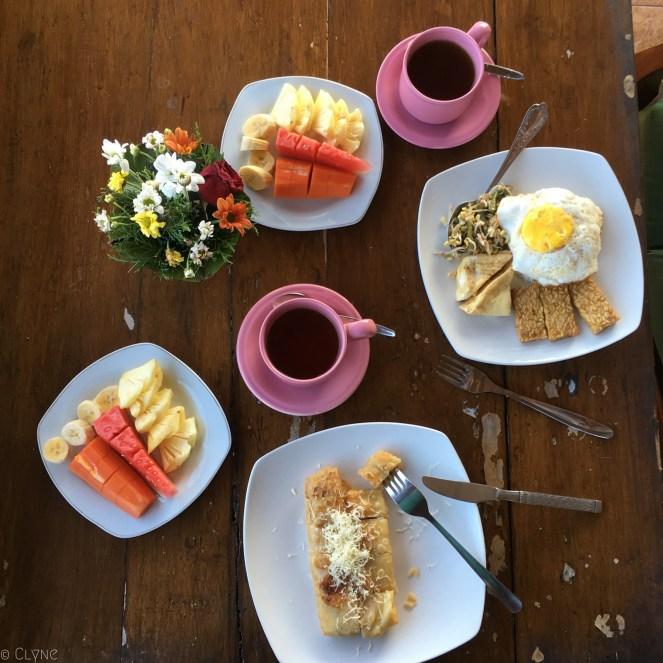 bali-ubud-ala-green-lagoon-breakfast