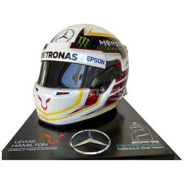 lewis-hamilton-2015-world-champion-f1-replica-helmet-full-size-mm4