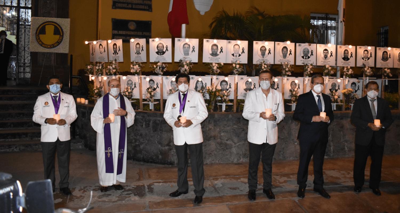 EL CMP HOMENAJEÓ A LOS 239 MÉDICOS FALLECIDOS A CAUSA DE LA PANDEMIA