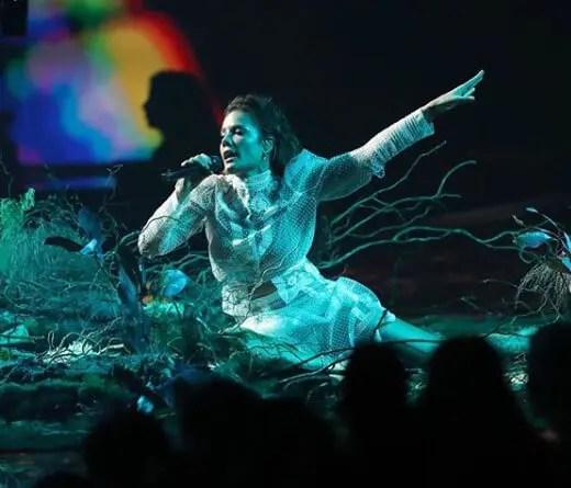 CMTV.com.ar - Performance de Halsey