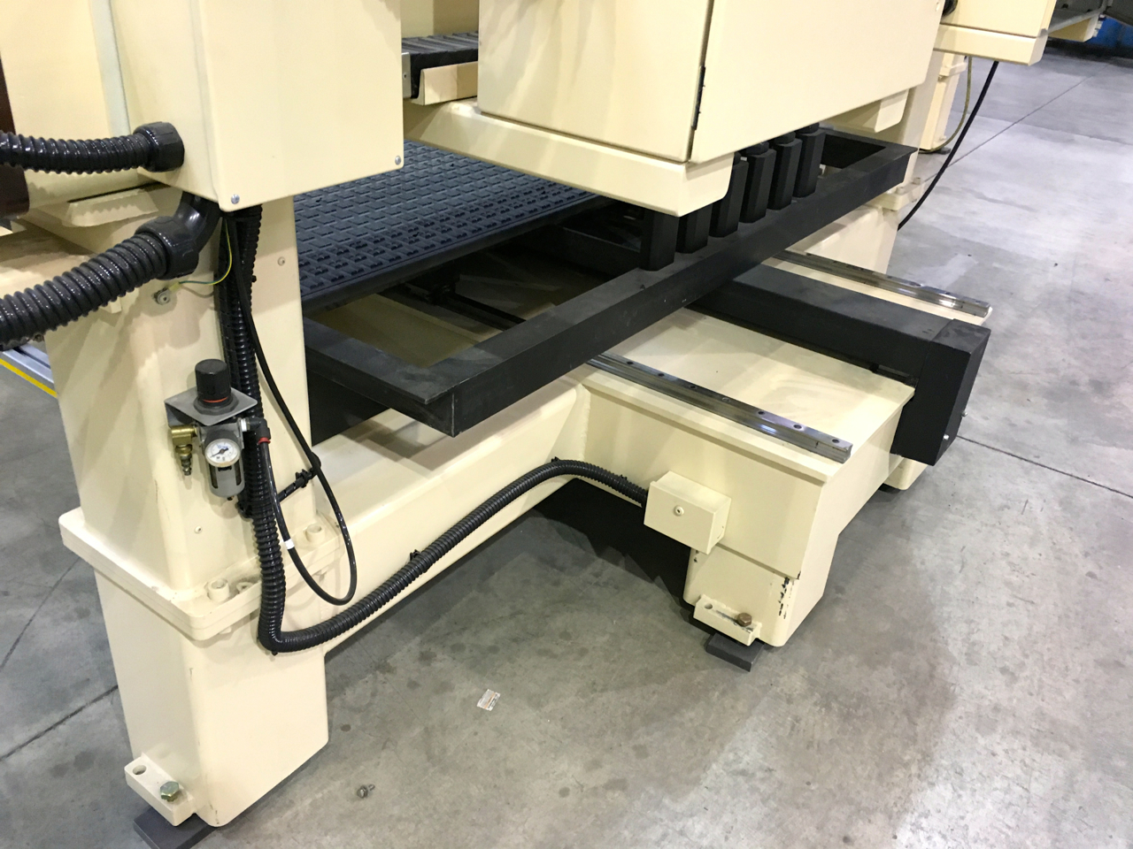 Refurbished 3 Axis Motionmaster CNC Router C450