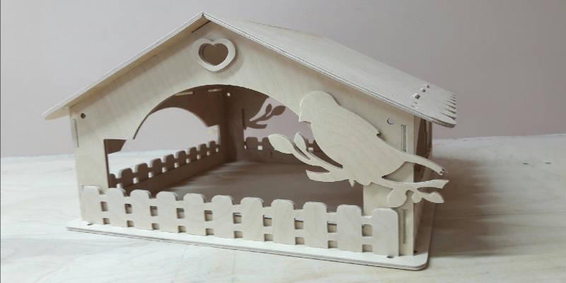 Laser cut birdhouse project