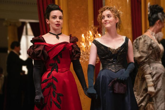 Nevers Laura Donnelly and Ann Skelly