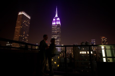 archer-hotel-new-york-spyglass-rooftop-bar-night-with-couple-3
