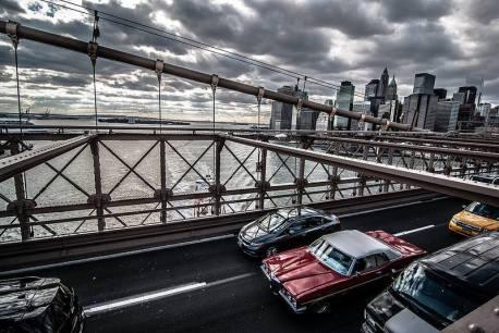 Vue depuis la passerelle pour piétons du pont de Brooklyn
