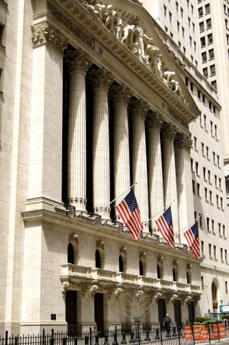 Vue de profil du New York Stock Exchange, la bourse de New York