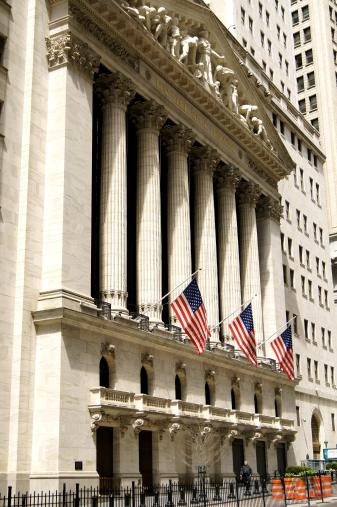 Vue de profil du New York Stock Exchange, la bourse de New York