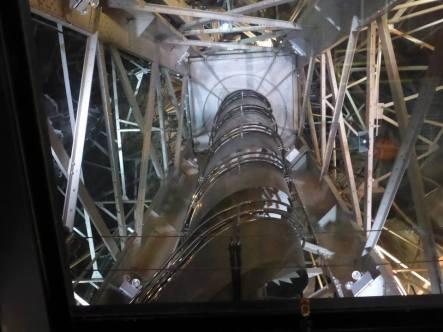 L'escalier menant vers la la couronne de la statue de la Liberté