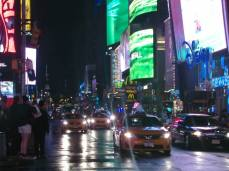 Times Square de nuit. (Photo Nathalie Giron)