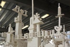 Un message en Lego ! (Photo Didier Forray)
