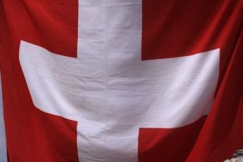 Un drapeau suisse s'invite au 14 juillet ! (Photo Didier Forray)