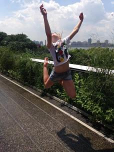 Un visiteur ravi de la High Line ! (Photo Carole Instructeur ZumBalicous)