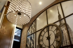archer-hotel-new-york-hotel-lobby-detail