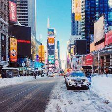 Times Square sous le neige