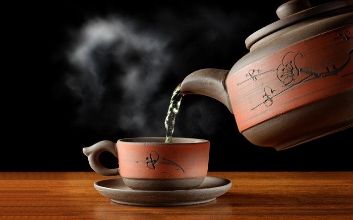 hot-tea-in-special-brown-cup-hd-wallpaper-2880x1800