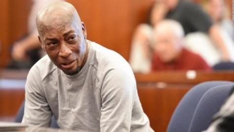 原告のドウェイン・ジョンソンさんの訴えが認められ、モンサントは損害賠償金約320億円の支払いを命じられた/JOSH EDELSON/AFP/Getty Images