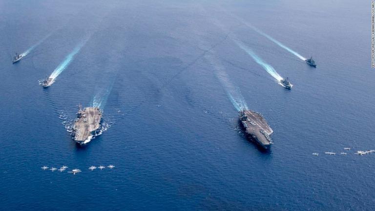 米空母「ニミッツ」と「ロナルド・レーガン」が南シナ海で複数の軍事訓練を実施した/Petty Officer 3rd Class Keenan Daniels/US NAVY
