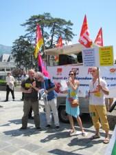 Manifestation à Annecy en soutien à l'inspectrice du travail Laura Pfeiffer face à Tefal devant le tribunal