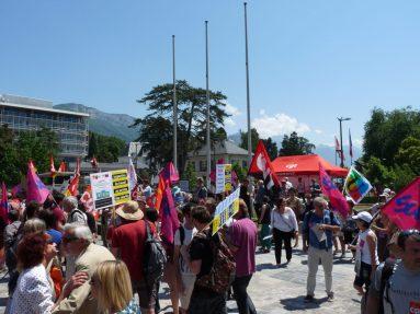 Rassemblement 6 juin 2015 de défense de l'inspection du travail devant le tribunal d'Annecy