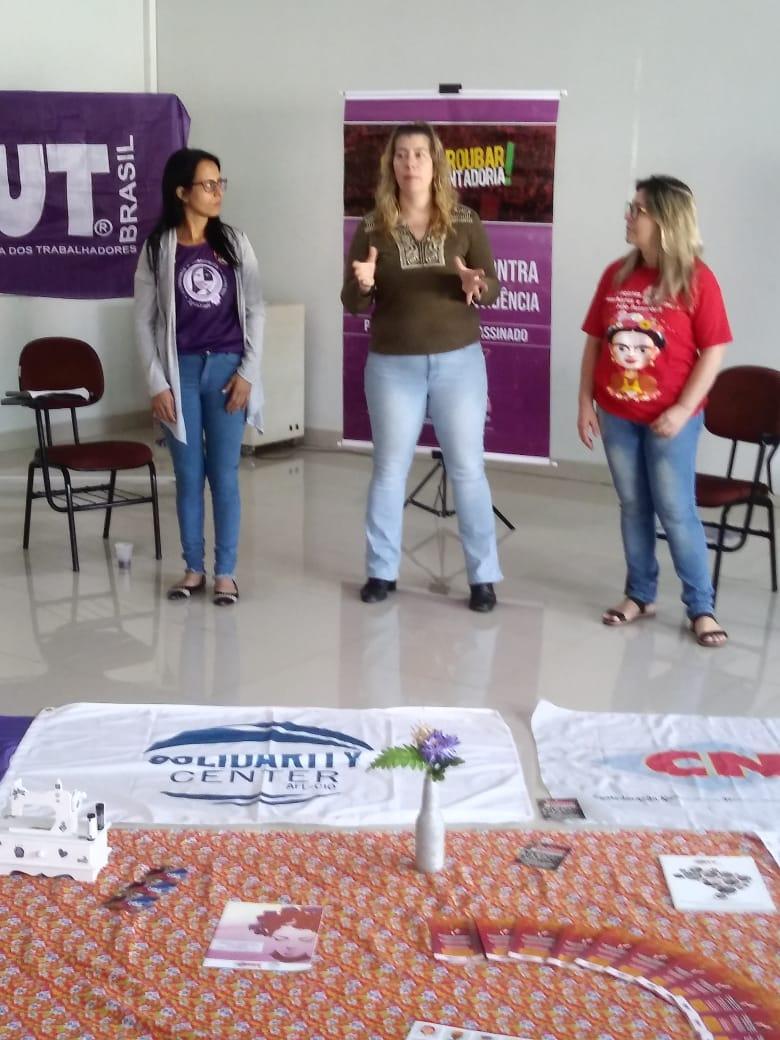 Ao centro, Jana Silverman - Representante do Solidarity Center da AFL-CIO