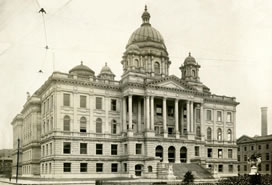 sepia photograph of courthouse