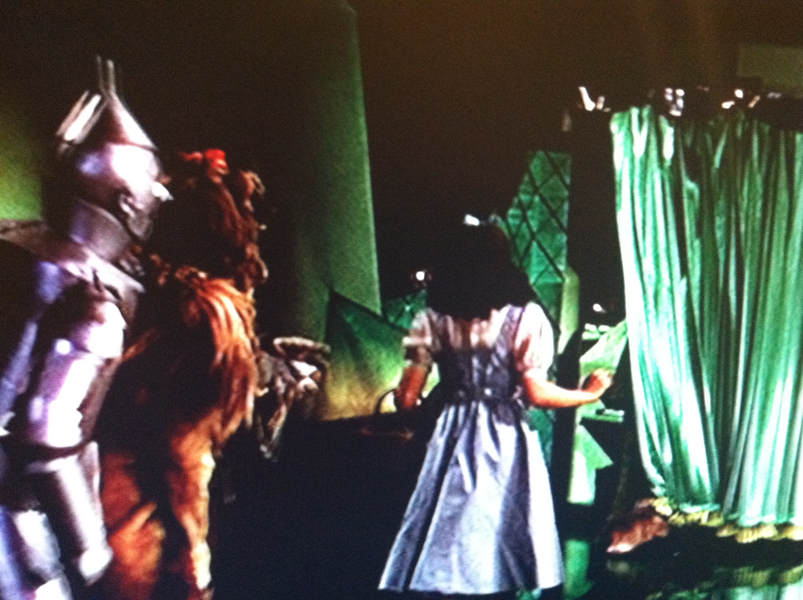Behind the curtain wizard of oz - The Man Behind The Curtain The Creation Of The Land Of Oz