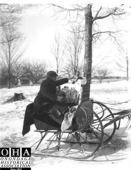 Manlius Mailman delivering mail in Sleighs