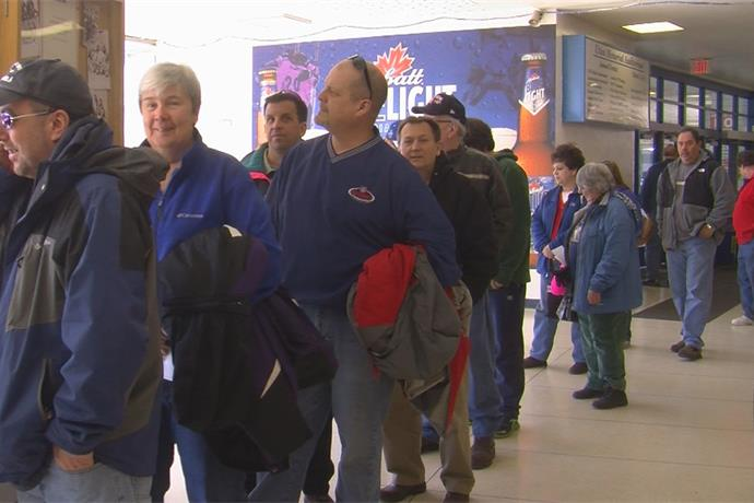 UC Hockey fans lined up to get tickets for ECAC west playoff_2812833386177055844
