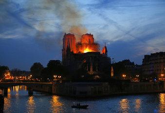 France Notre Dame Fire_1555363466382