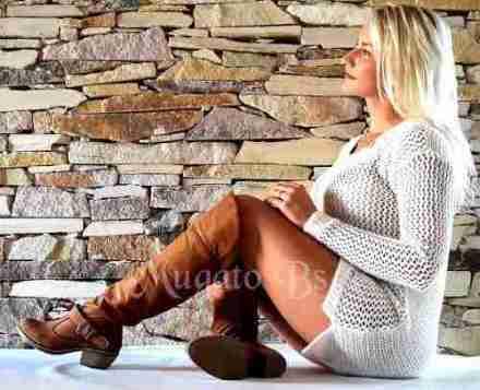 http://articulo.mercadolibre.com.ar/MLA-625721671-botas-de-mujer-bucaneras-taco-gamuzadas-invierno-2016-_JM