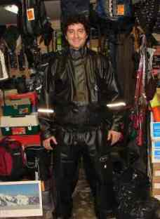 http://articulo.mercadolibre.com.ar/MLA-607561886-equipos-de-lluvia-mk-moto-diseno-alba-delta-trajes-pilotos-_JM