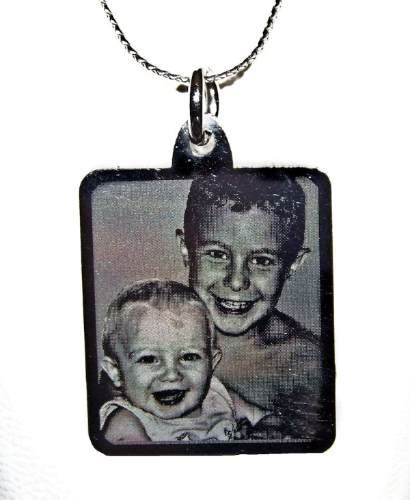 http://articulo.mercadolibre.com.ar/MLA-616221554-foto-medallas-acero-quirurgico-personalizadas-tamano-grande-_JM