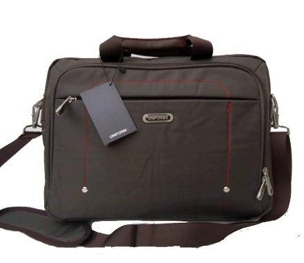 http://articulo.mercadolibre.com.ar/MLA-614967943-maletin-portafolio-p-notebook-uniform-_JM