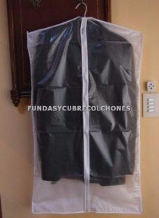 http://articulo.mercadolibre.com.ar/MLA-612238523-pack-de-3-fundas-porta-sacos-trajes-blazers-ccierre-novedad-_JM