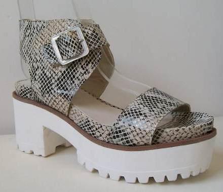 http://articulo.mercadolibre.com.ar/MLA-608785452-plataformas-sandalias-de-cuero-liquidacion-2016-zapatos-_JM