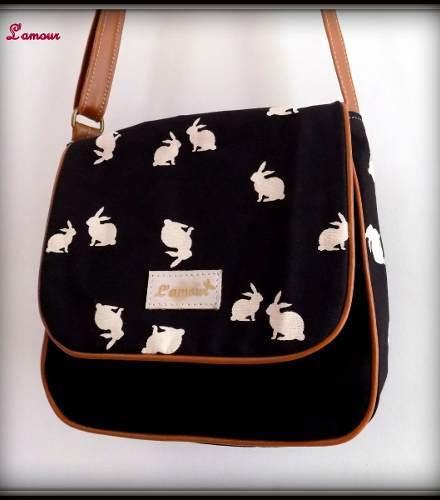 http://articulo.mercadolibre.com.ar/MLA-628489098-mayorista-fabricante-carteras-cuero-pu-tachas-mochilas-_JM
